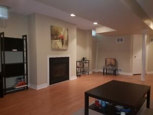 Large One Bedroom Apartment w/ Washer Dryer Available Sept 1