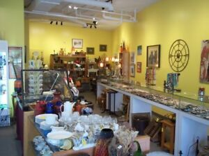 GLTIZY JOOLS & ANTIQUES SHOP COLLECTIBLES JEWELRY ST. CATHARINES