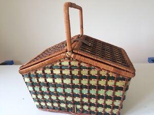 Beautiful wicker duplex wicker picnic basket