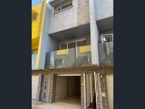 Full furniture city townhouse for rent