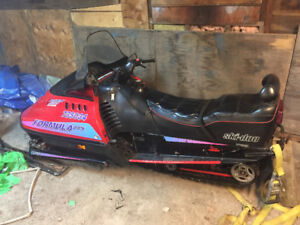 1994 583 skidoo 1650$ obo great condition!!