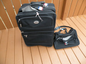"""American Tourister"" Luggage Set"