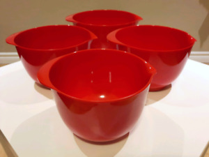 Sturdy, Bright Red Melamine Mixing Bowl Set