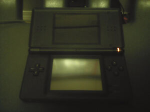BLACK NINTENDO DS LITE WITH BLACK CASE AND SOME GAMES