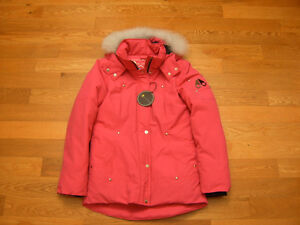 100% authentic Moose Knuckles Girls Parka in Pink sz 14