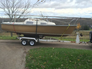 Hughes Northstar 22' swing keel with trailer