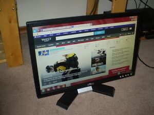 "DELL 19"" WIDESCREEN LCD MONITOR Good Working Order + Condition"