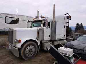 2005 379 short nose Peterbilt