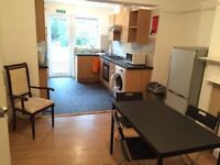 @@@ Amazing Cheap Double room for couple in Cricklewood £165pw @@@