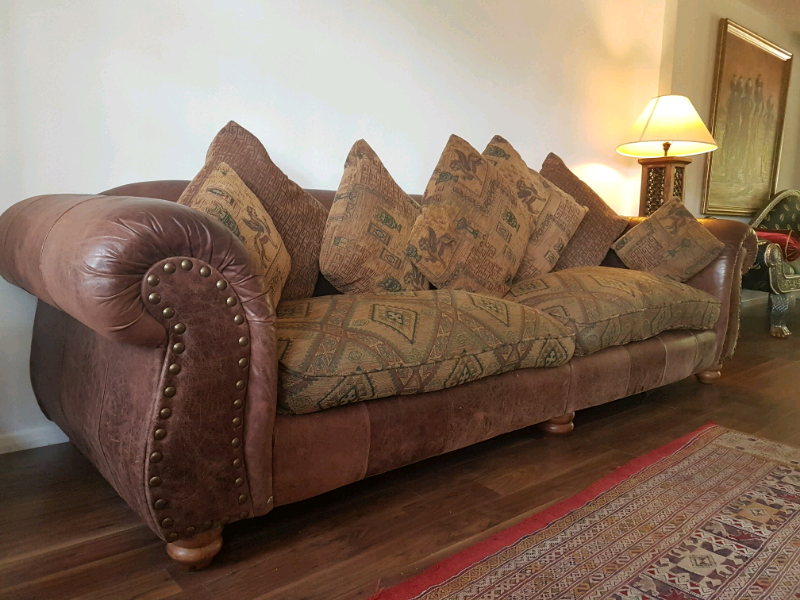 Peachy Wilmington Thomas Lloyd 5 Seater Large Brown Leather Fabric Sofa In Bracknell Berkshire Gumtree Home Interior And Landscaping Palasignezvosmurscom