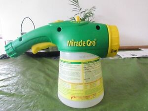 miracle-grow feeder