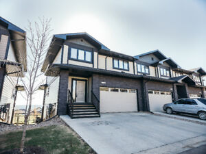16-208 SPARROW HAWK DR - Executive Townhome