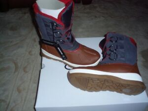 WINTER BOOTS ** new in box with tags