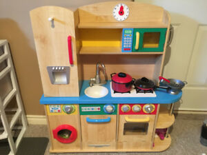 Kidskraft Wooden Kitchen Bundle (EUC)