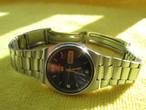 VINTAGE SEIKO 5 MEN DAY DATE AUTOMATIC JAPAN
