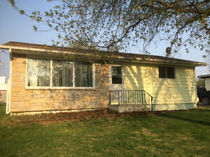 OPEN HOUSE SUNDAY - 2 Bedroom Bungalow in Teulon