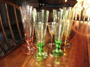 Depression Glass Beer Flutes (5), sherry classes (2)