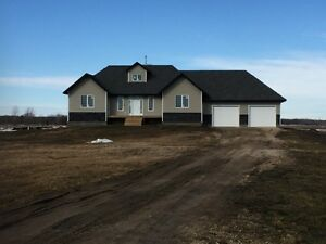 Country Living, 20 Mins to City, 20 Acres, Built Green