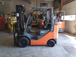 Certified Toyota Forklift Only 640 Hours!!!!  Delivery Included!