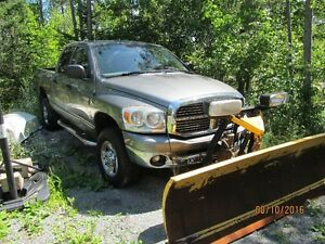 2008 Dodge 2500 SLT Truck with Plow