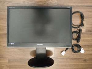Samsung 24 Monitor with Adjustmentable Stand!
