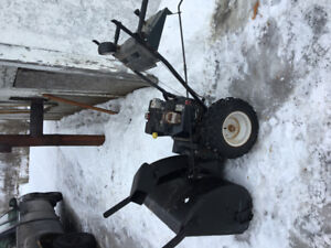 Mint working snow blower for sale! Great condition! $350 or OBO