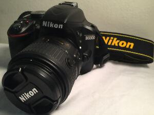 """550 Shutter Count Like New """"Nikon D3300 DSLR"""" & 18-55 VR II Lens"""