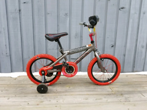 Hot Wheels Children's BMX Bike with removable Training Wheels
