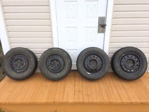 Full set of 215/60R15 Winter Tires On Rims