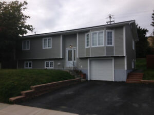 Beautiful 3 bdrm main level in Cowan Heights.
