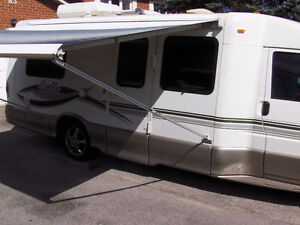 RIALTA 2002 SLEEPS 4 SEATS 8 201HP  V6