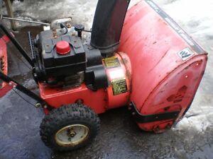Very good snow blower  5HP/24, no starter electric, souffleuse**