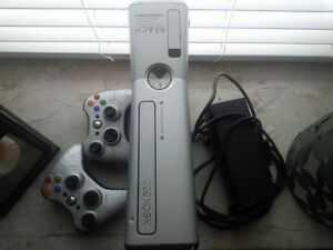 XBOX S Console HALO Edition - great condition