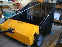 Sweeper: Yardworks Lawn Sweeper