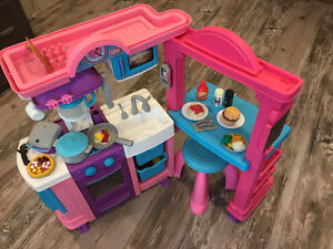 Little Tykes Kitchen with Accessories