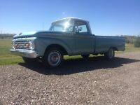 1964 Ford F-100 in mint condition! V8 engine! Only $18500!