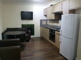 ### Lovely Single Room-Living Room/Russell Square ####