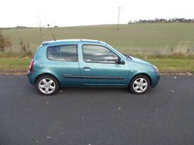 Renault Clio 1.2 billabong chose from 2 both cheap