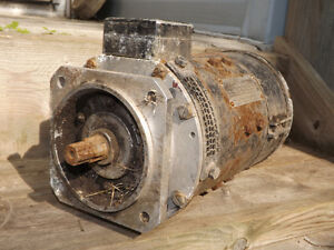 ANTIQUE WWII RAF PLANE DUAL PURPOSE GENERATOR MADE IN CANADA