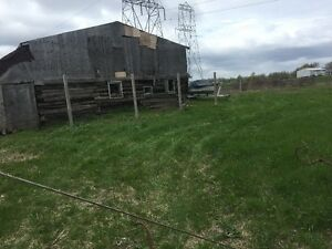 Barn For Rent, 30' x 40', With Pasture / Farm Land.