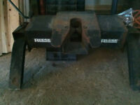 ReeseFifth Wheel Hitch