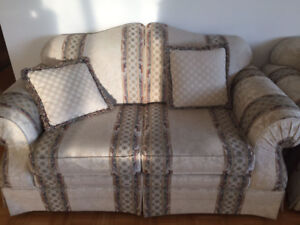 Moving Sale: Nice furniture for Sale