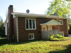 BASEMENT APARTMENT - BRICK DUPLEX - NEAR ACADIA