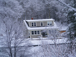 OAKLAND-MAHONE BAY: This gem is totally & tastefully renovated,