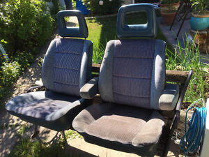 VW Vanagon Westfalia-front seats