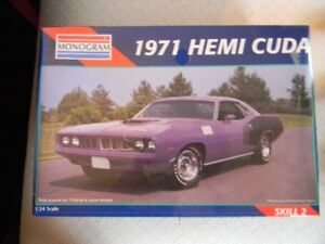 Monogram 1971 Hemi Cuda 1/24 Scale Plastic Model Kit.