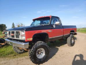 1981 GMC 2500 4x4 RUNS AND DRIVES