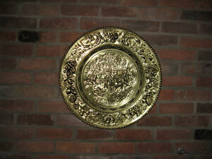 Large Embossed Brass Plate West Island Greater Montréal image 2