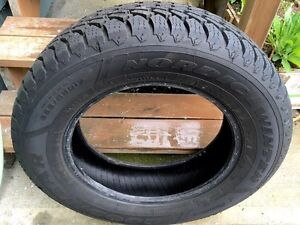 Goodyear Nordic Winter Tires 225/65R17 102s excellent condion