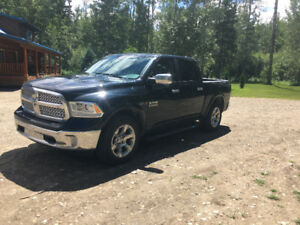 Dodge Power Ram 1500 Laramie EcoDiesel Pickup Truck